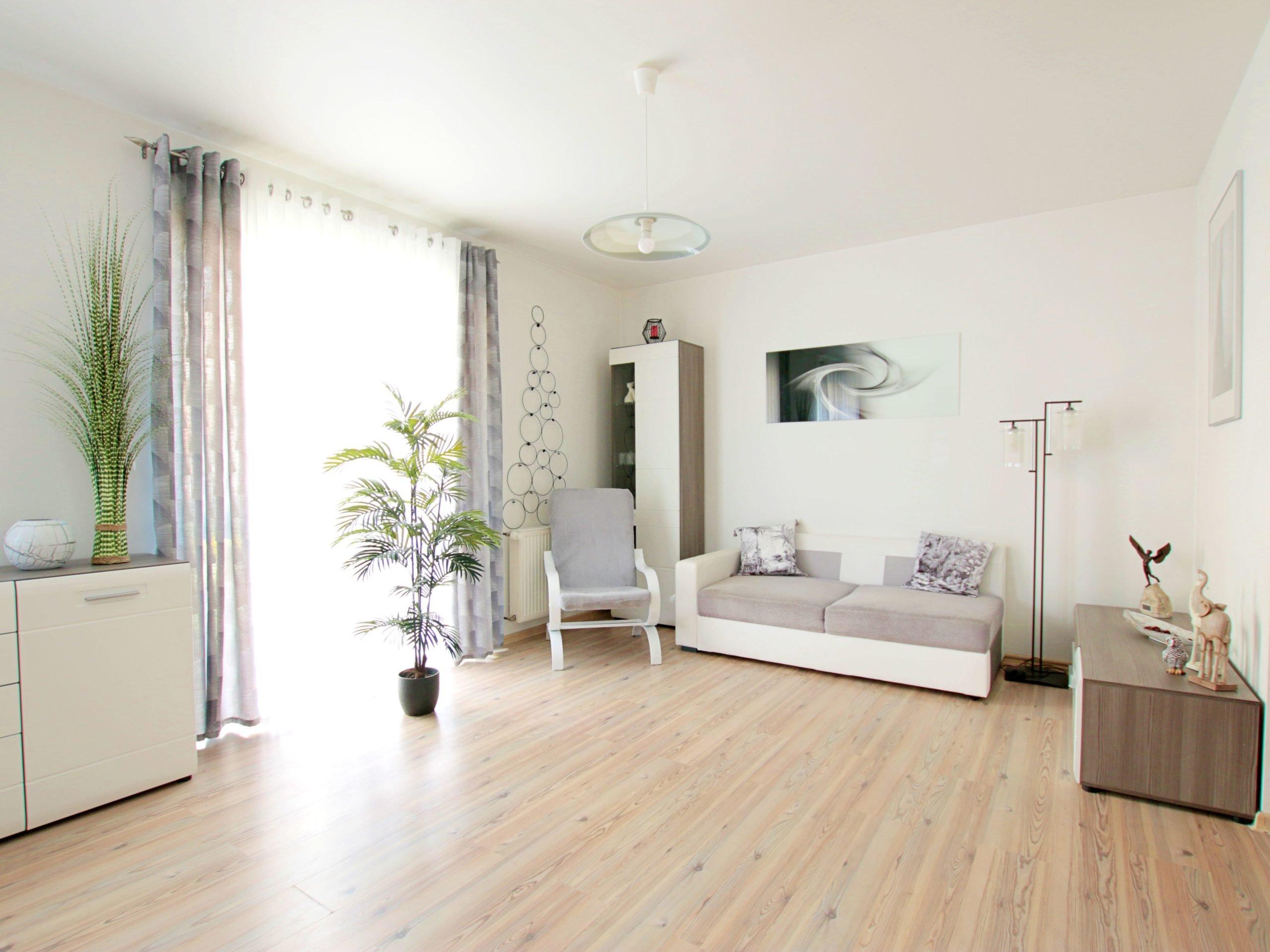 Eleganckie i nowoczesne mieszkanie z ogródkiem.