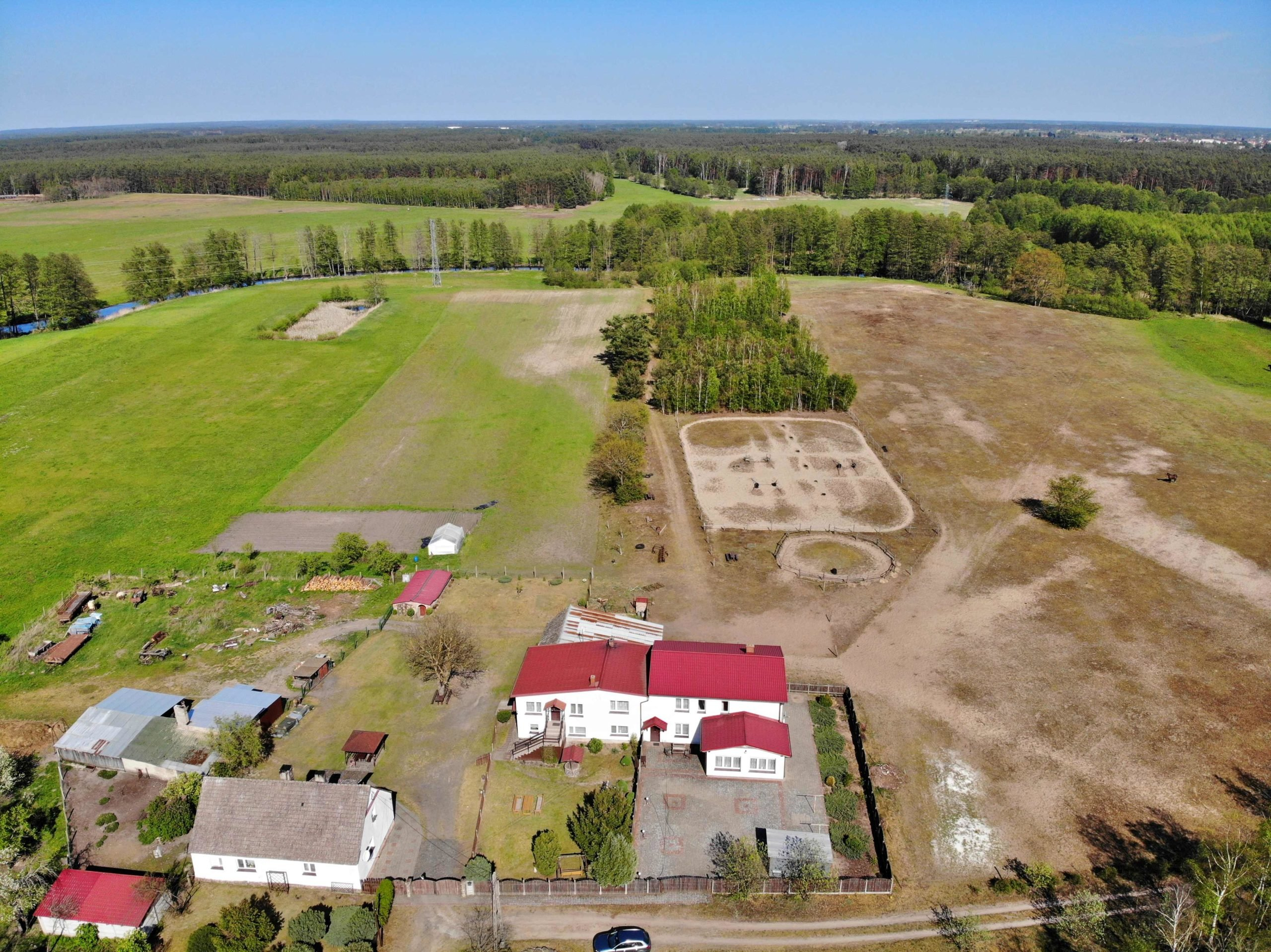 Nieruchomość gruntowa 151.560 m2 (15,16 ha)
