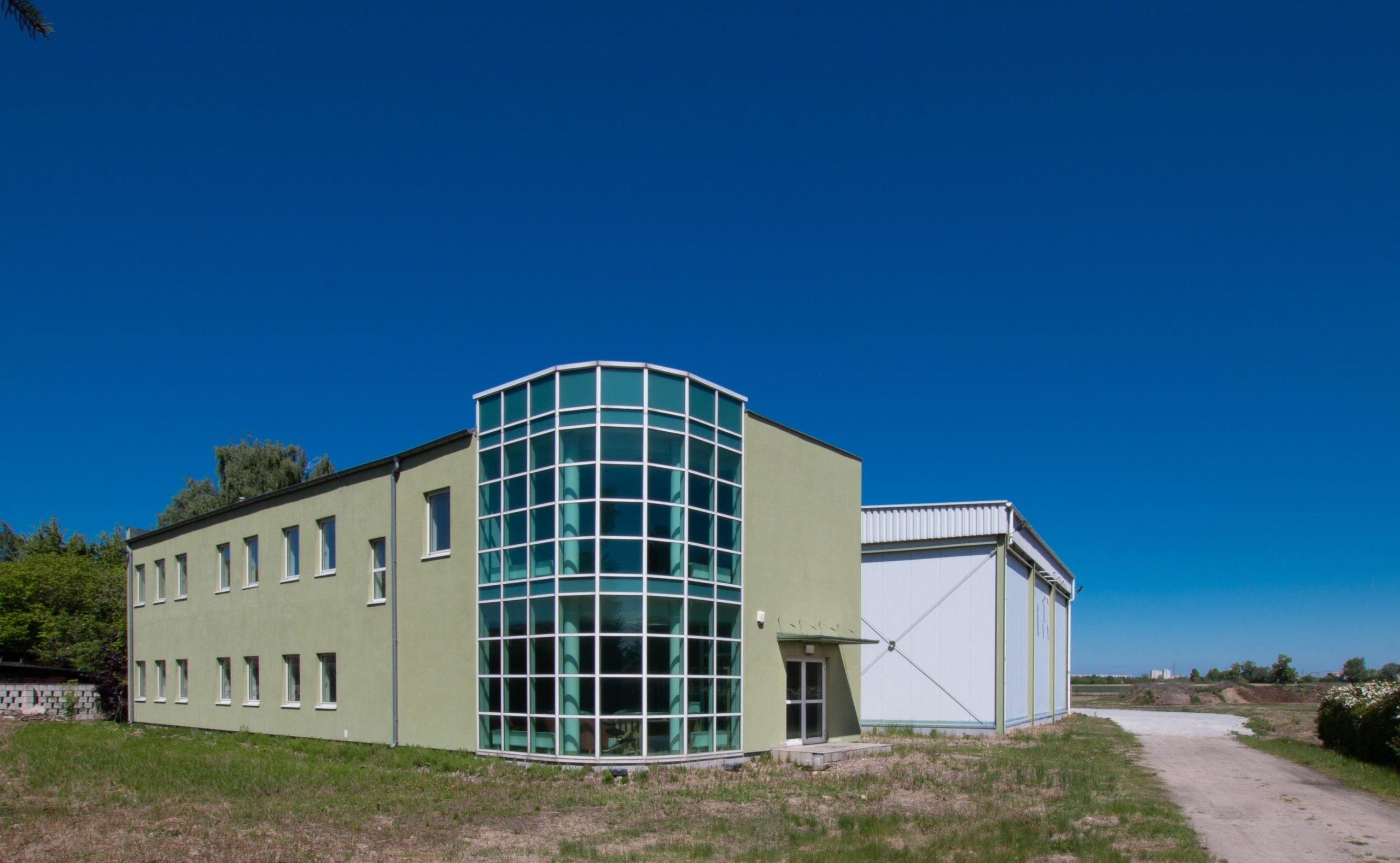 Obiekt magazynowo – biurowy 1.670,00 m2 na SPRZEDAŻ Poznań Krzesiny